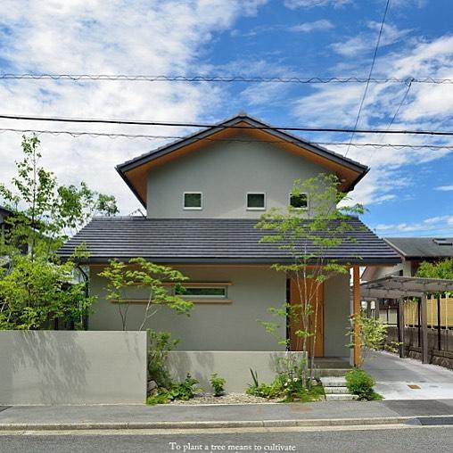 大谷石のアプローチジョリパットの壁#ts_niwa #ジョリパット#アプローチ#大谷石#雑木の庭